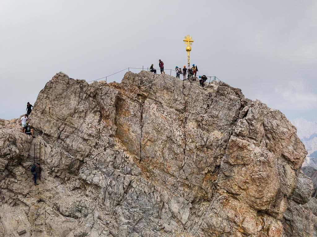 Blick zum Gipfel der Zugspitze.