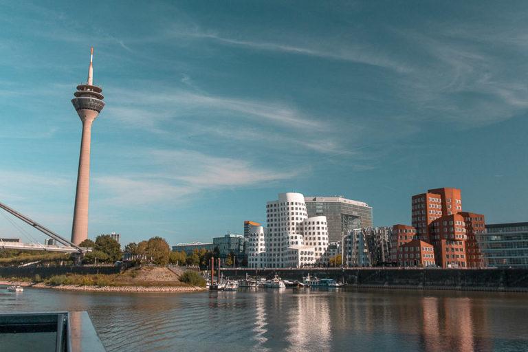 Tagesausflug Düsseldorf - Nilsatravels